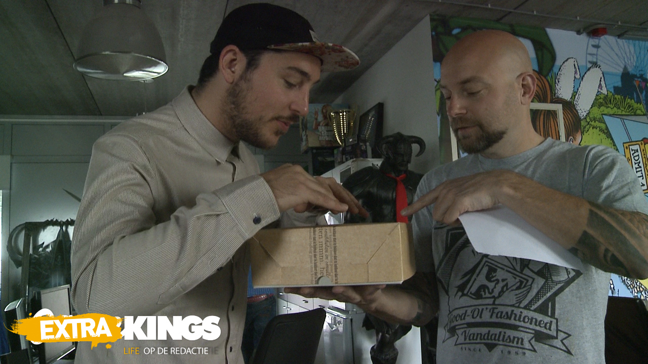 Gamekings Extra: Boris en Jelle snijden een Skylanders-taart aan