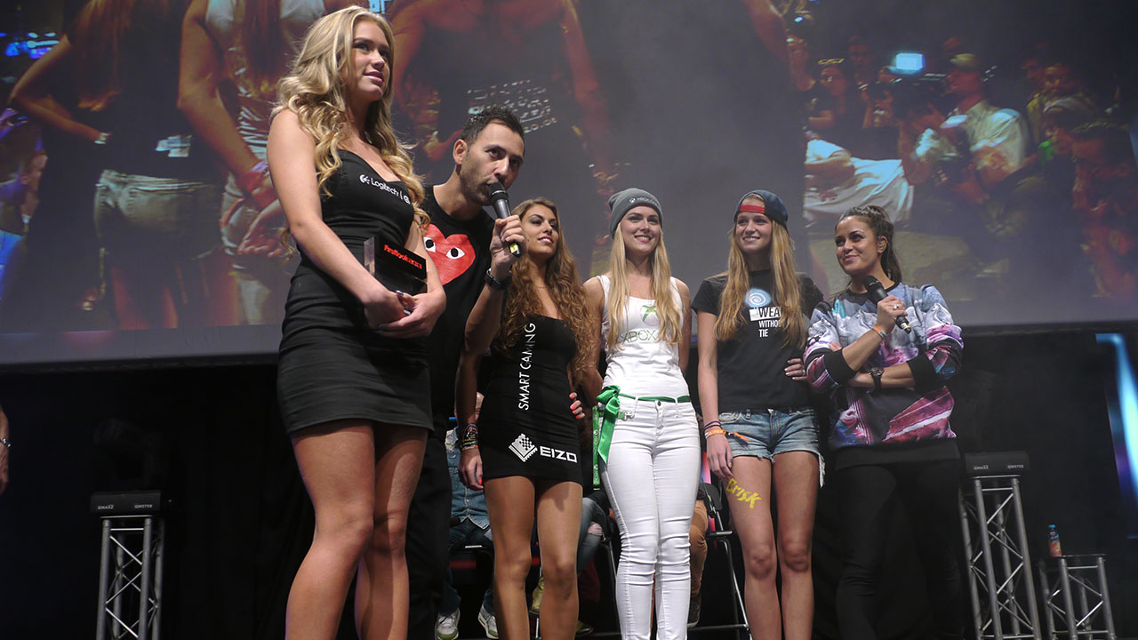 Firstlook TV dag 2 met de Boothbabe Awards 2013